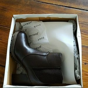 Brand new never used brown boots